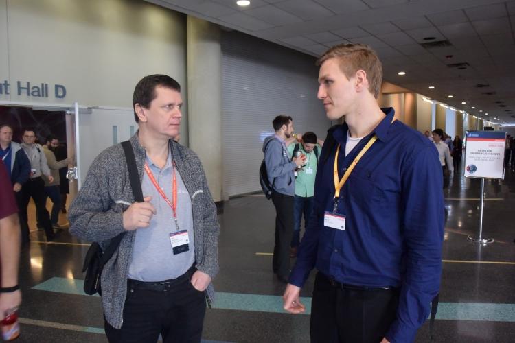 Nad novými funkcemi v SOLIDWORKSu 2017 diskutovali technický manažer Miloš Hrazdíra (vlevo; SOLIDWORKS) a Josef Kašík (technická podpora společnosti SolidVision)