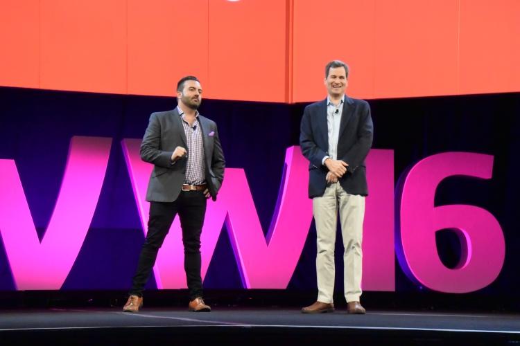 David Pogue (vpravo) pracuje ve společnosti Yahoo Tech. V minulosti působil jako fejetonista pro New York Times. Foto: Marek Pagáč