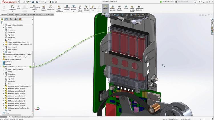 Robotická ortéza Myomo s podsestavou uložení baterií po zavazbení