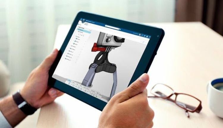 Živě z Los Angeles: Bassi uvedl SolidWorks xDesign, běží on-line