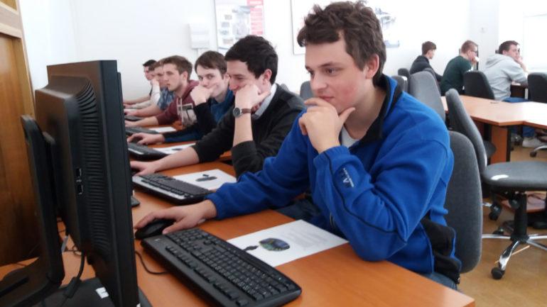 Soutěž v SolidCAMu prověřila znalosti studentů v CNC programování