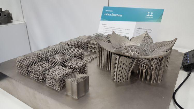 Společnost 3D Systems vystavovala možnosti mikroprutových struktur vyrobených 3D tiskem technologií SLM. Struktury lze spolehlivě generovat vprostředí 3DXpert.