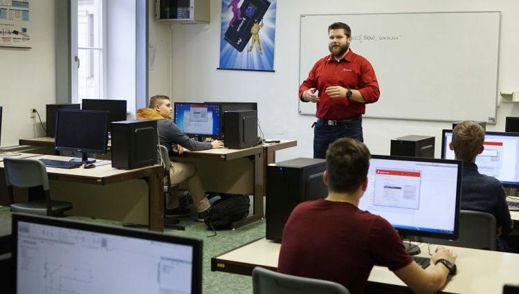 Školní licence SOLIDWORKS umožňují už třetím rokem bezplatné on-line certifikace studentů. Foto: SolidVision
