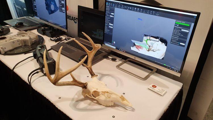 Společnost Creaform nabízí profesionální 3D skenery pro reverzní inženýrství a kontrolu rozměrů. Foto: Marek Pagáč
