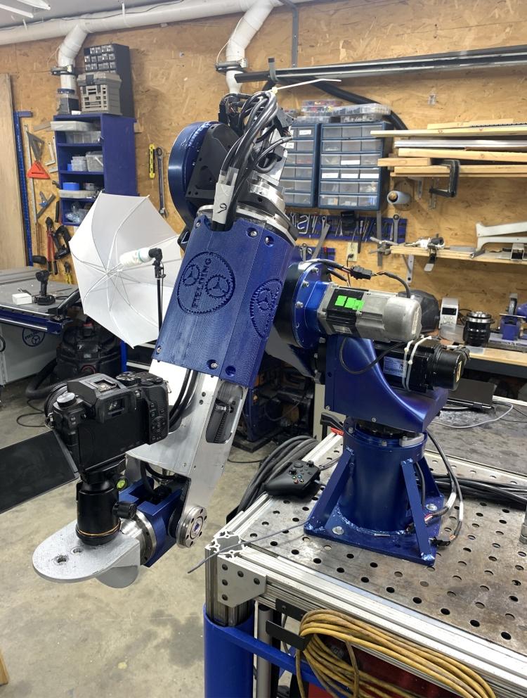 K výrobě komponentů použil Jeremy CNC obrábecí stroje a 3D tiskárnu. Foto: SOLIDWORKS Blog